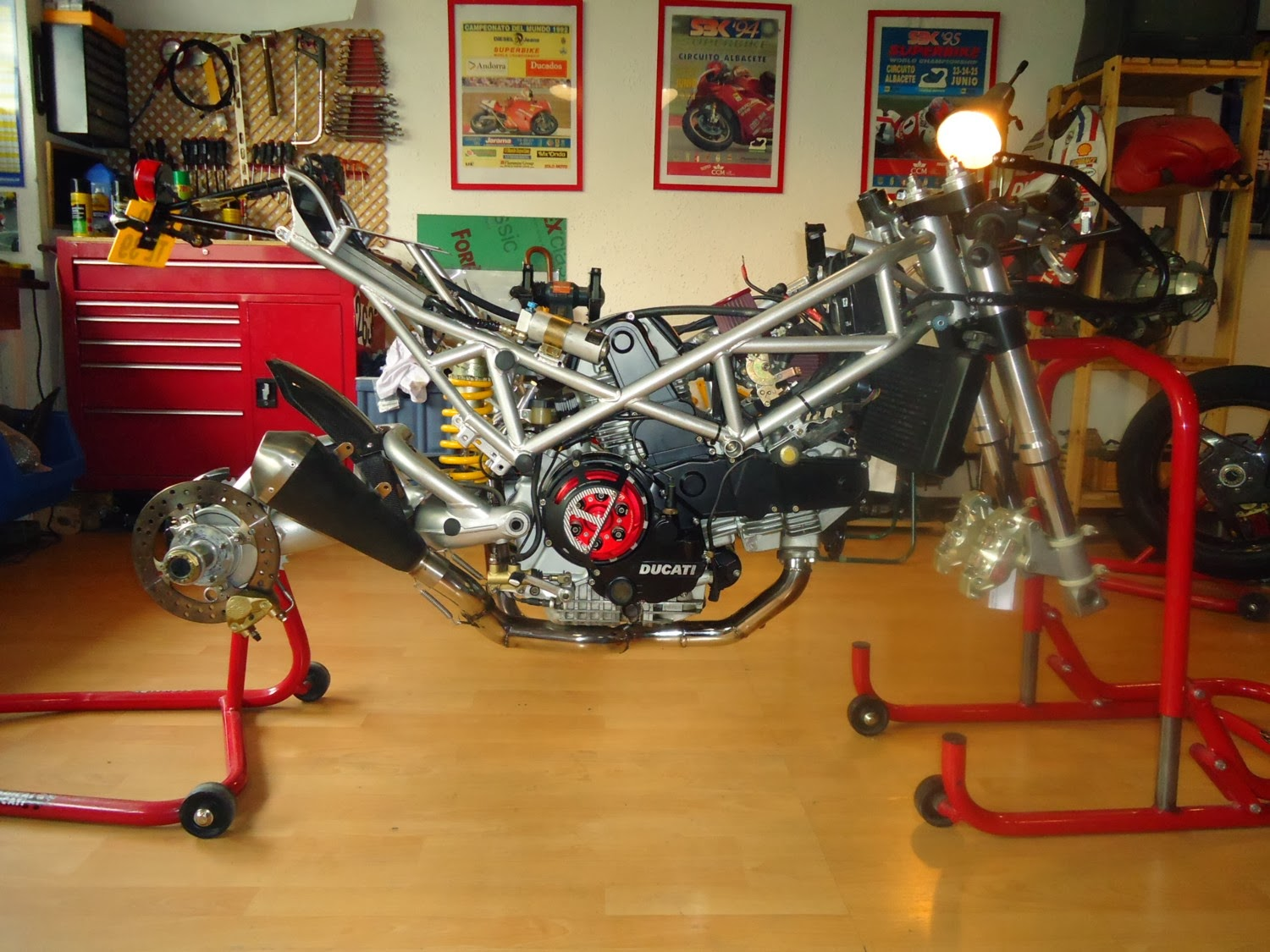 hight resolution of  it s narrow all the parts have his space