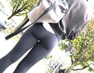 Chava nalgas redondas leggins entallados