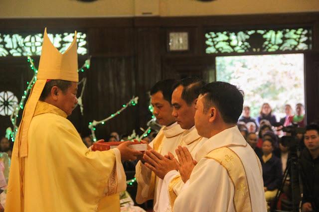 Lễ truyền chức Phó tế và Linh mục tại Giáo phận Lạng Sơn Cao Bằng 27.12.2017 - Ảnh minh hoạ 138