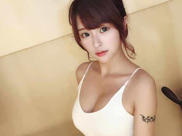 Nhan sắc và sự gợi cảm của Xiaoyun
