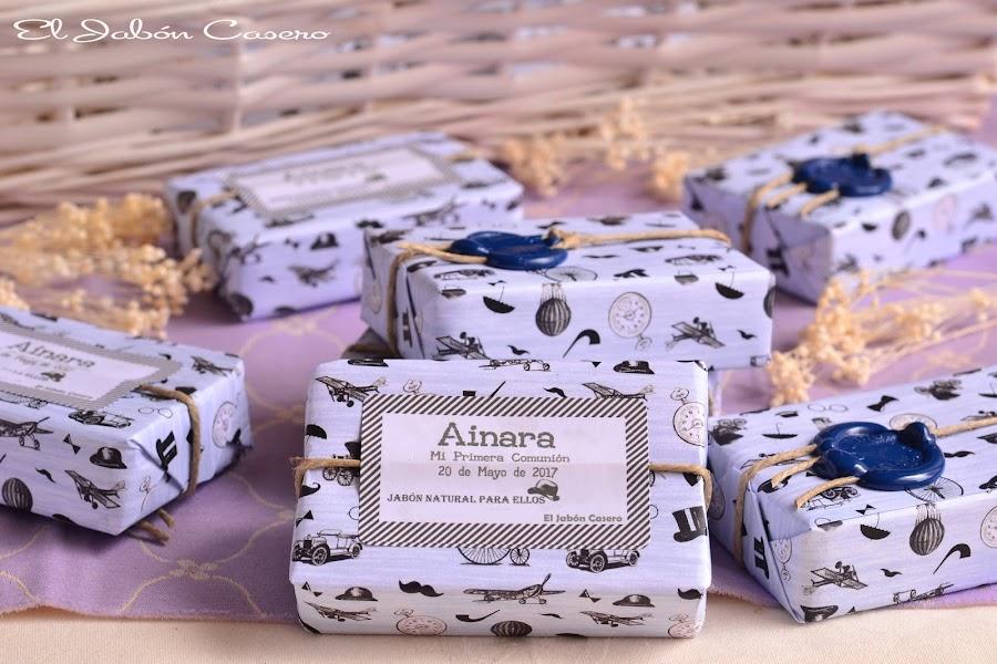 Detalles de  comunion boda para hombres jabones naturales personalizados
