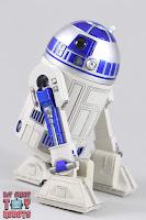 S.H. Figuarts R2-D2 23