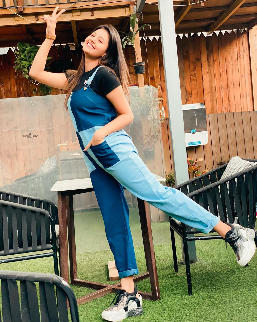 Anjali Arora crazy cute photo