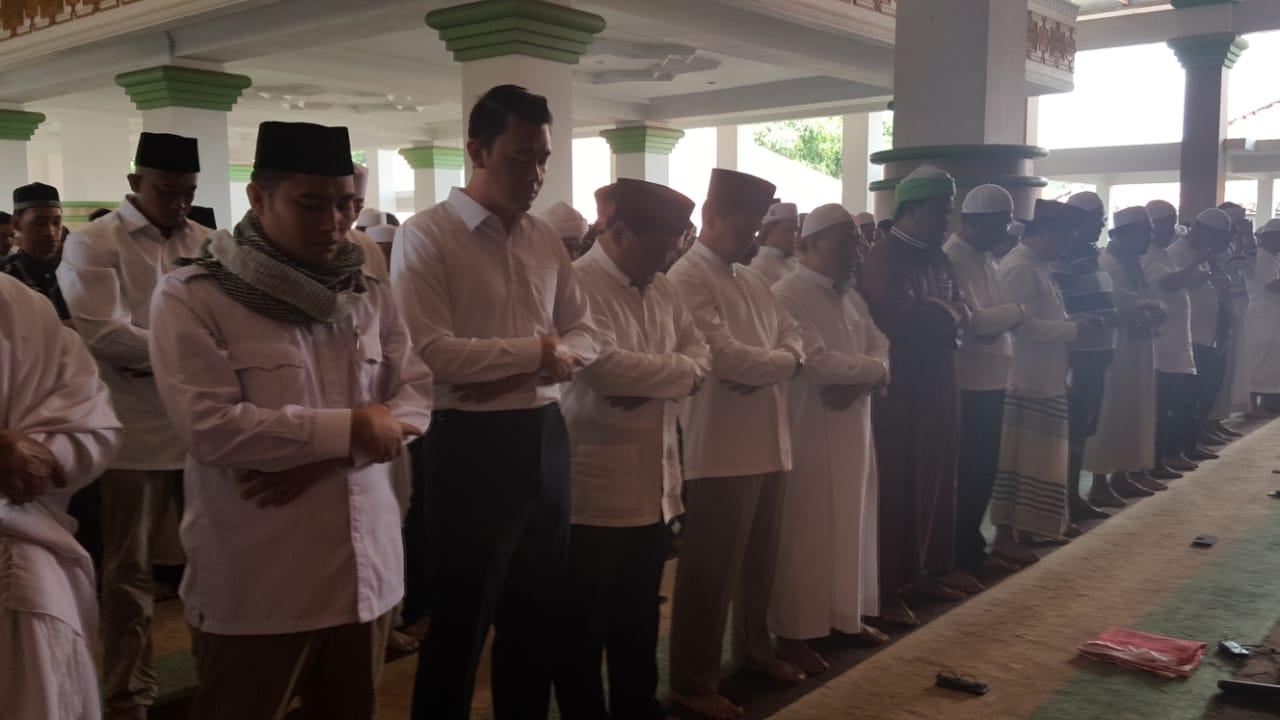 Enggan Diberitakan, Begini Suasana Shalat Jum'at Prabowo