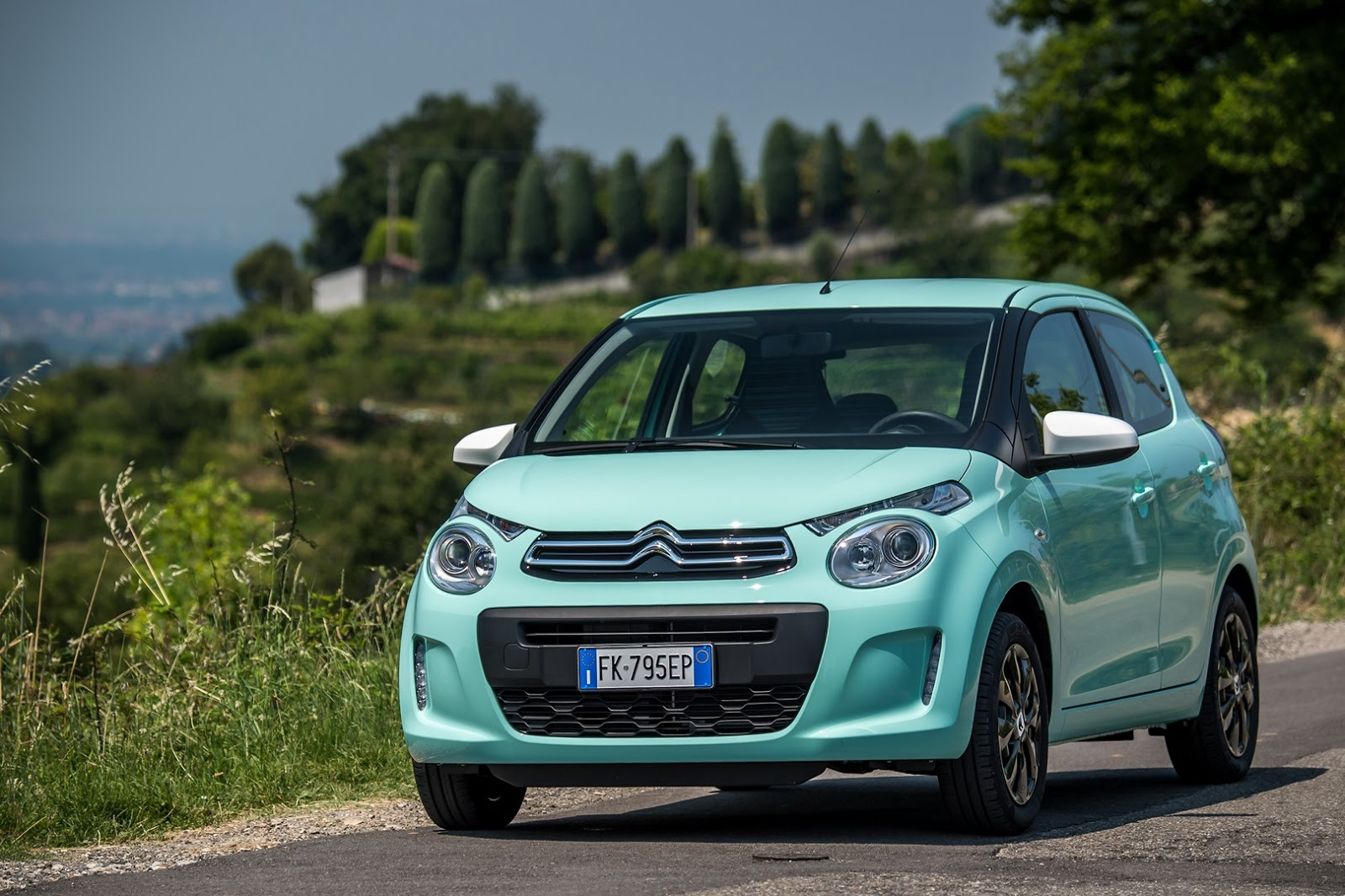 citroen c1 pacific edition is exclusive to italy carscoops. Black Bedroom Furniture Sets. Home Design Ideas