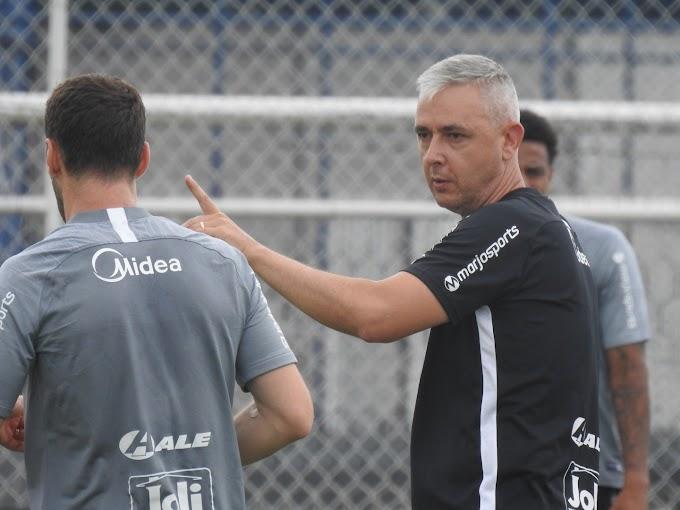Tiago Nunes diz que treinadores enviaram currículo ao Corinthians em proveito de má fase