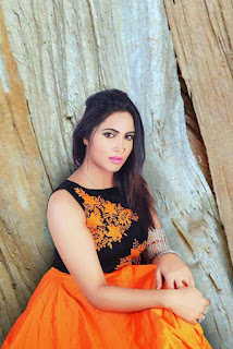 Arshi Khan Pictureshoot Stills For Flynn Remedios 1.jpg