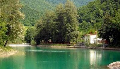 Gite in Liguria - 4 Passi vicino al lago Savio