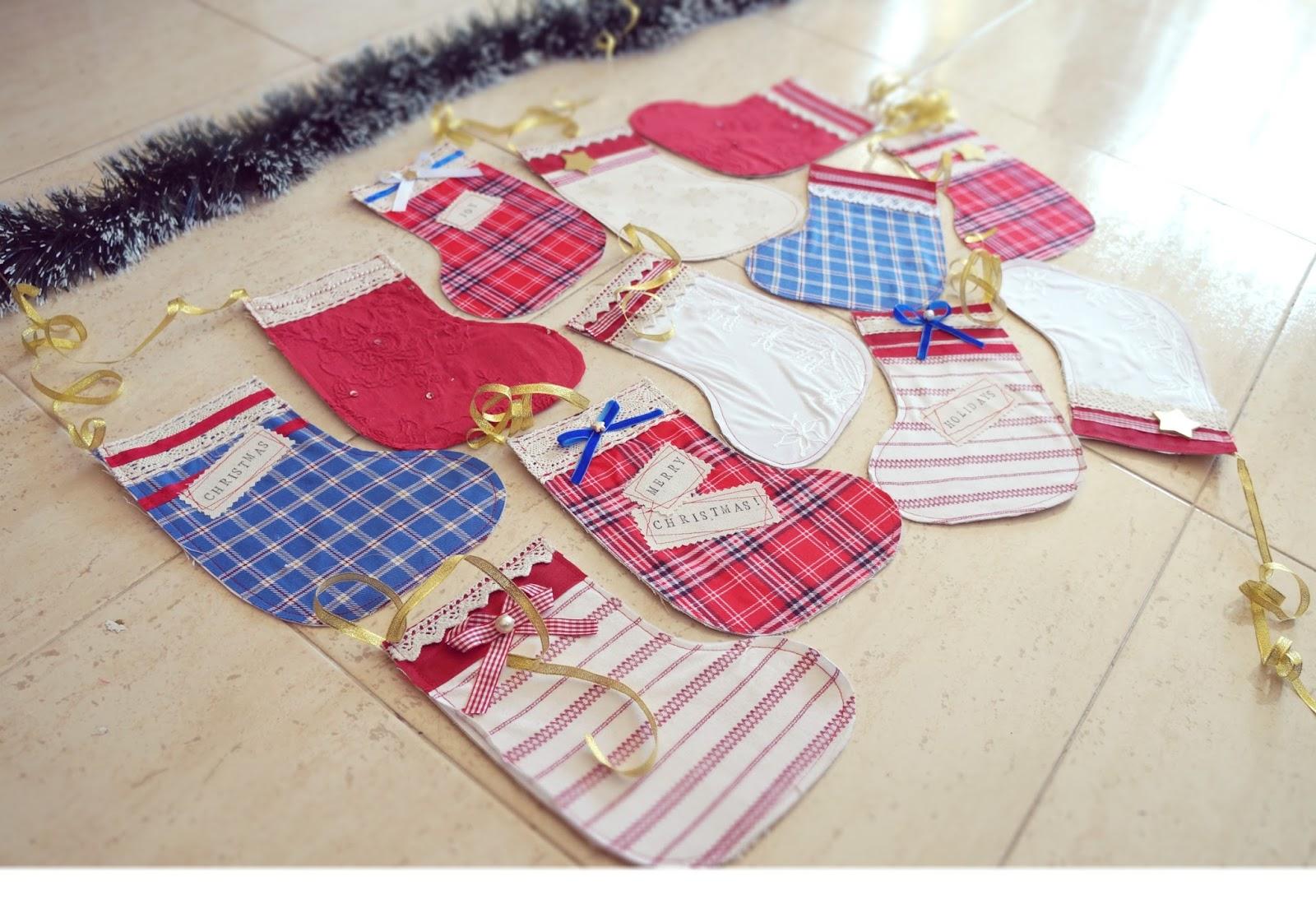 Lelleco Navidad: guirnalda de calcetines Navideños