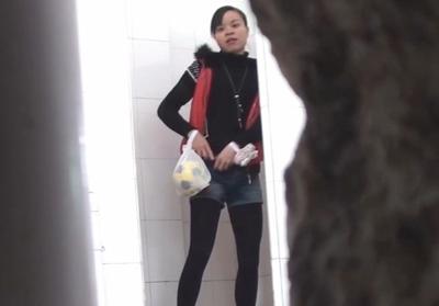 Привезли новую смотреть видео скрытые камеры в японских туалетах