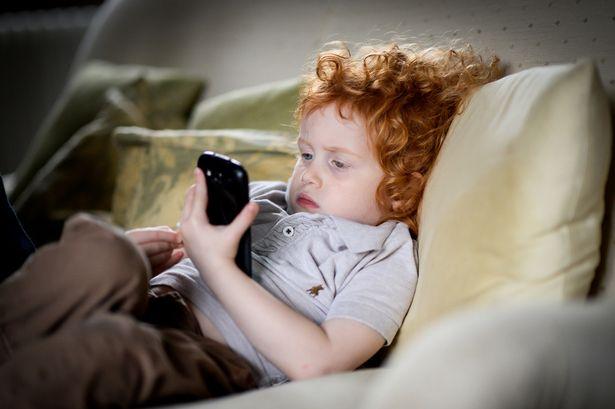 Image result for 7 Kesan Serius Kepada Otak Dan Kesihatan Kanak-Kanak Akibat Penggunaan Telefon Pintar