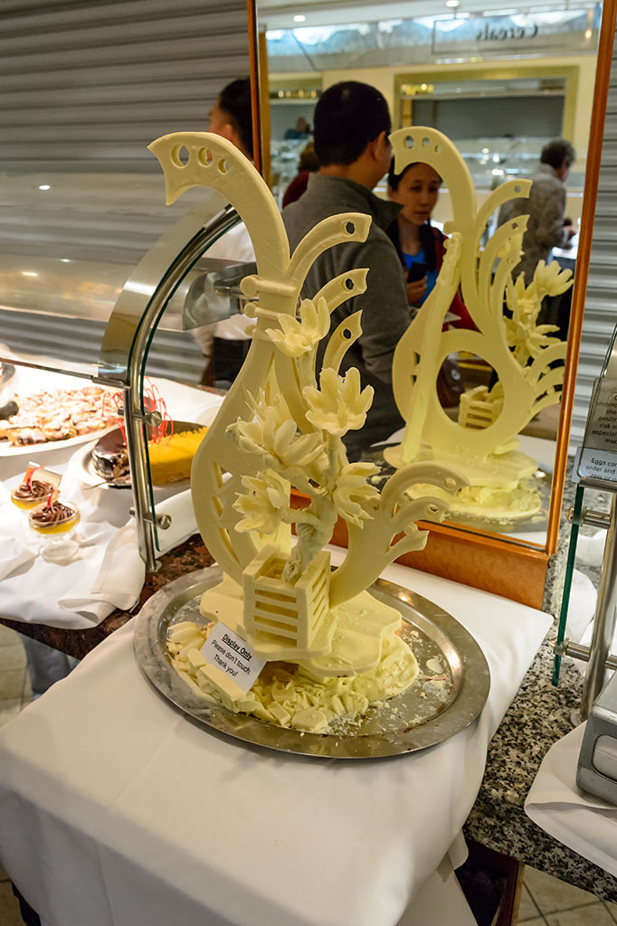 Large Chocolate Sculpture on the Norwegian Pearl