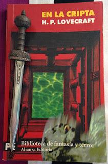 Portada del libro En la cripta, de H. P. Lovecraft