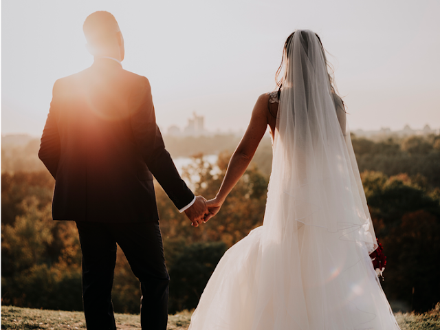 How to Plan and Save Money on a Destination Wedding