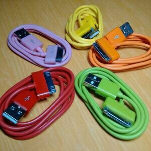 KABEL DATA IPHONE 4 WARNA