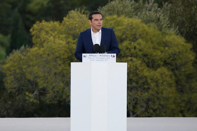 Τα βαρίδια στη στροφή Τσίπρα προς τη σοσιαλδημοκατία