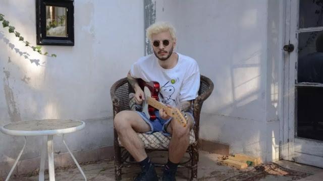 """Nunca quedas mal con nadie: Francisco Gana estrena videoclip de """"Amarillo"""""""