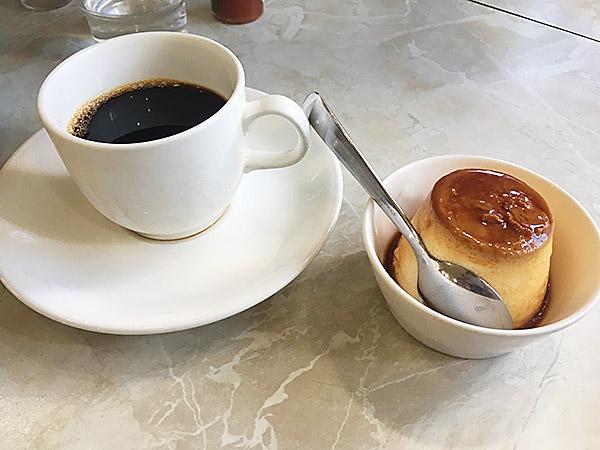 新橋の有名レストラン『カフェテラスポンヌフ』のプリンと珈琲