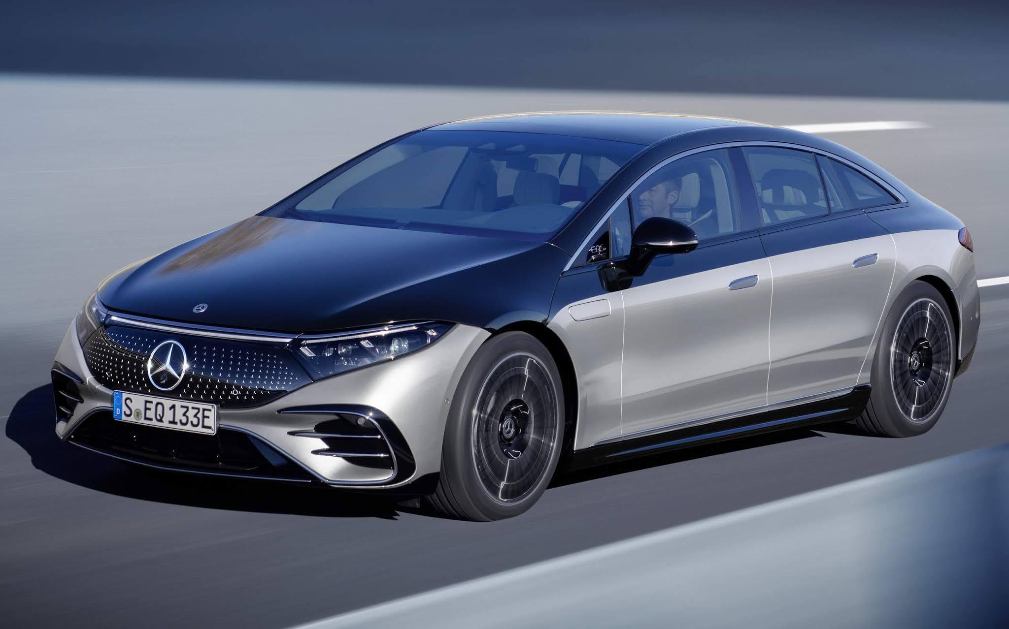 Mercedes-Benz acelera plano para eletrificação da gama até 2030