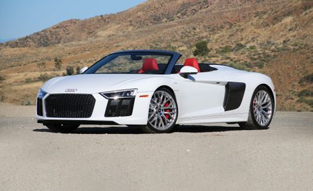 Lionel-messi-car-collection-Audi-R8-Spyder