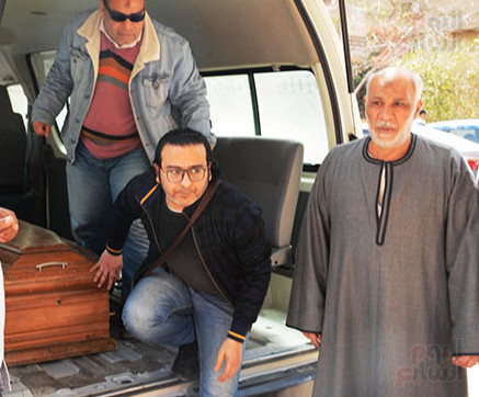 وفاة والد الفنان أحمد عزمى