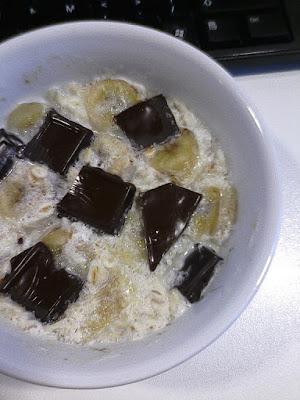 Owsianka bananowa z czekoladą