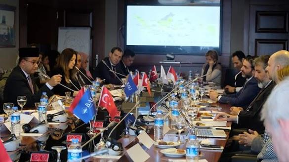 Meski 'Dijebak' Dubes Turki, Penampilan Anies Baswedan Hadirkan Decak Kagum
