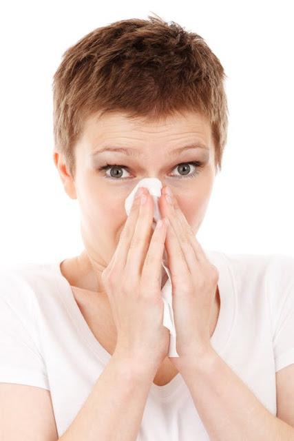 7 Tips Meredakan Batuk dan Pilek Tanpa Obat