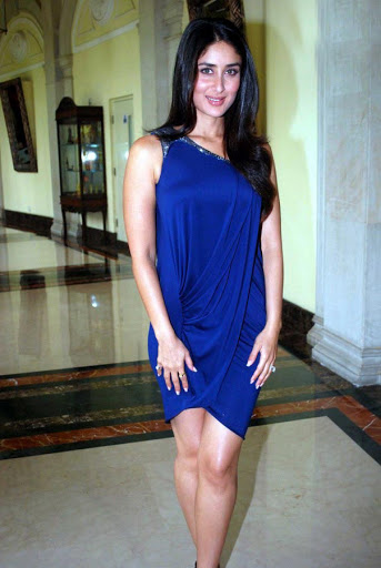 Bollywood Actress Kareena Kapoor Legs Show Photos In Short Blue Gown