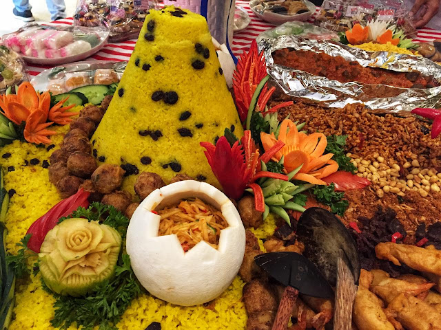 Makana Khas Indonesia