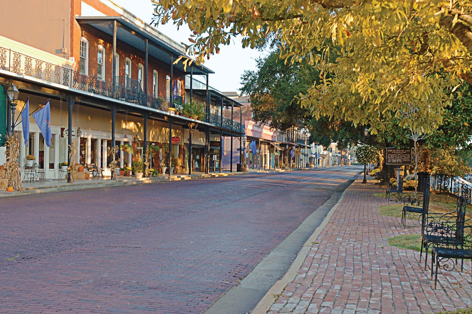 Small Bed Paix Running Natchitoches Louisiana