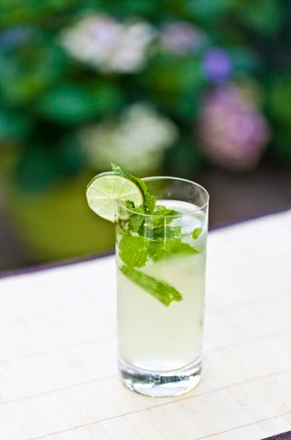 5 Cocktails to Celebrate the First Days of Summer- Pool Party