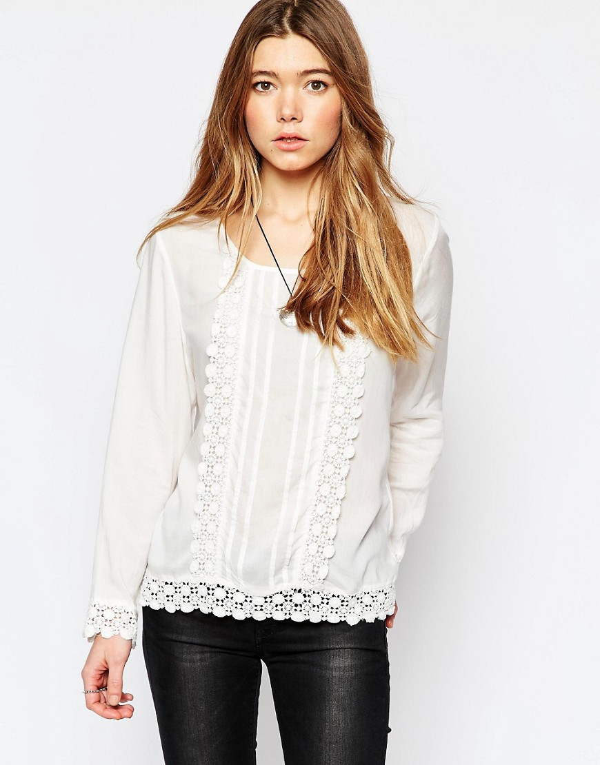ONLY LONG SLEEVE TOP WITH CROCHET DETAIL