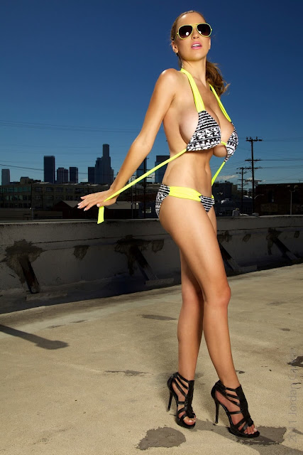 Jordan-Carver-Lax-hot-and-sexy-Photoshoot-picture-18