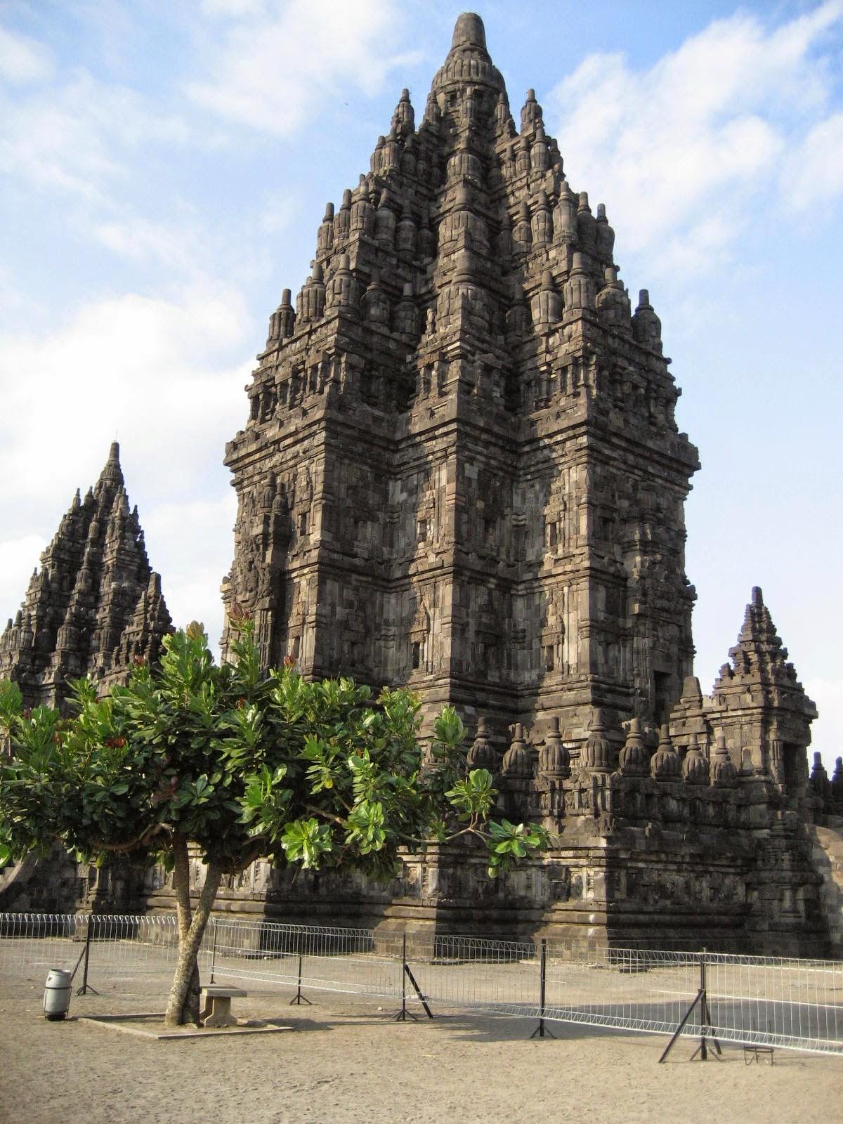 Ciri Ciri Candi Di Jawa Timur : candi, timur, Perbedaan, Candi, Tengah, Timur