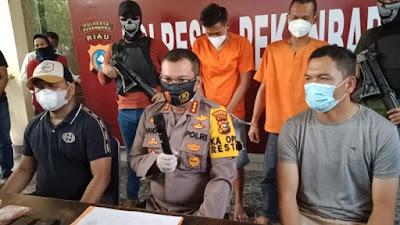 Dua tersangka Pelemparan Petugas Diamankan Polresta Pekanbaru.