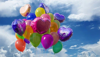 ballons in the sky
