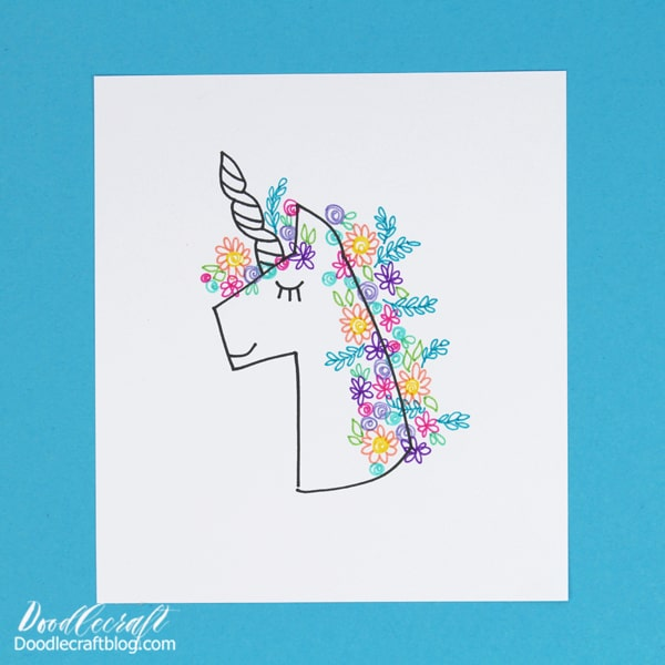 I love simple art and there's nothing quite as fun as using the Tombow MONO Drawing Pen 05 to doodle it. Make a cute little 🦄 unicorn with a mane full of flowers in just a few simple steps. Doodle the flowers with the fine point of the TwinTone Markers.