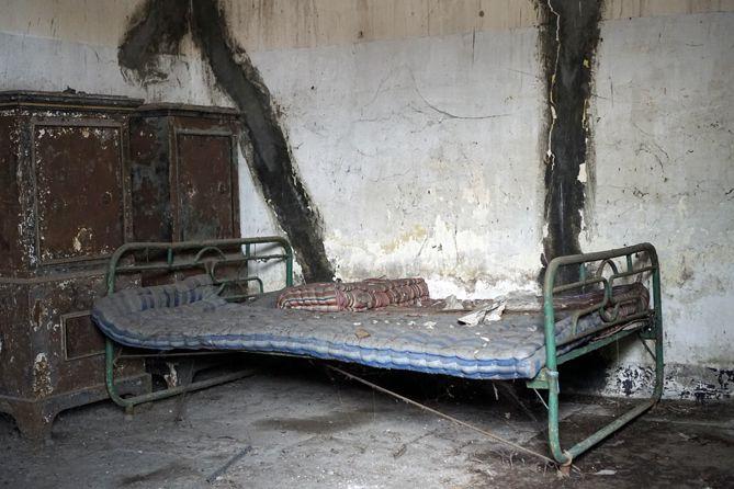 Salah satu kamar di Rumah Pocong