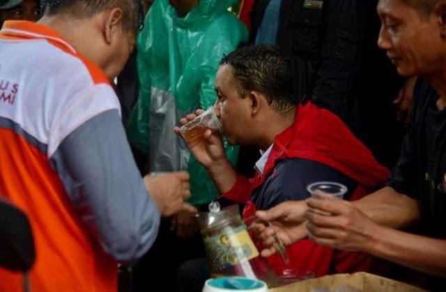 Tidak Diliput Oleh Media, Begini Kondisi Gubernur Anies Baswedan Saat Tangani Banjir DKI Jakarta
