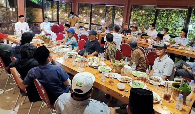 Ramadhan Mubarak, Keluarga Besar Holil Gelar Tasyakuran Buka Puasa Bersama di Waroeng Sunda
