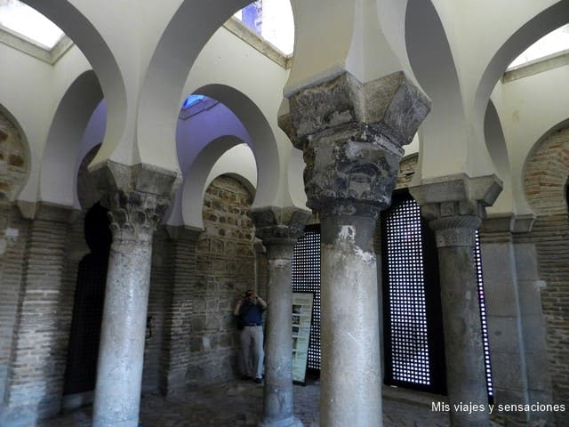 Interior Mezquita del Cristo de la Luz, ruta islámica, Toledo