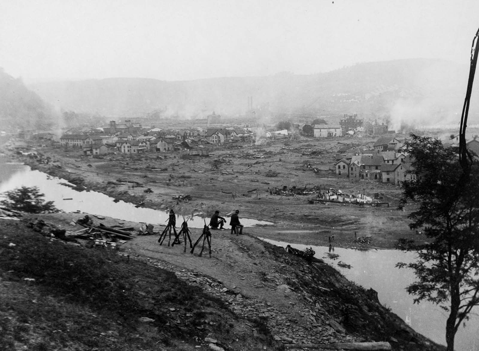 Soldiers look over Johnstown from Kernville Hill.