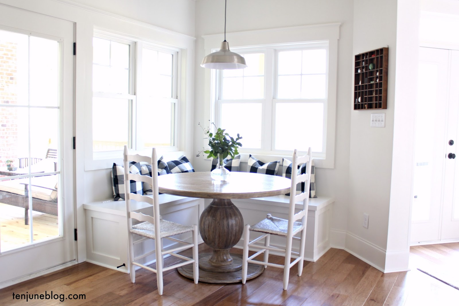 A Farmhouse Buffalo Check Built In Breakfast Nook
