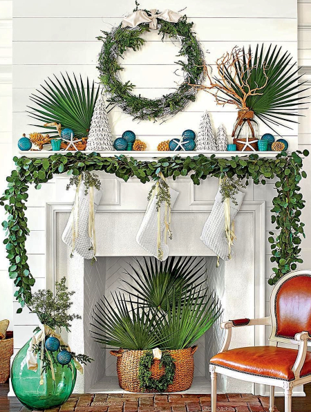 Southern Style Christmas Mantel Decor Idea