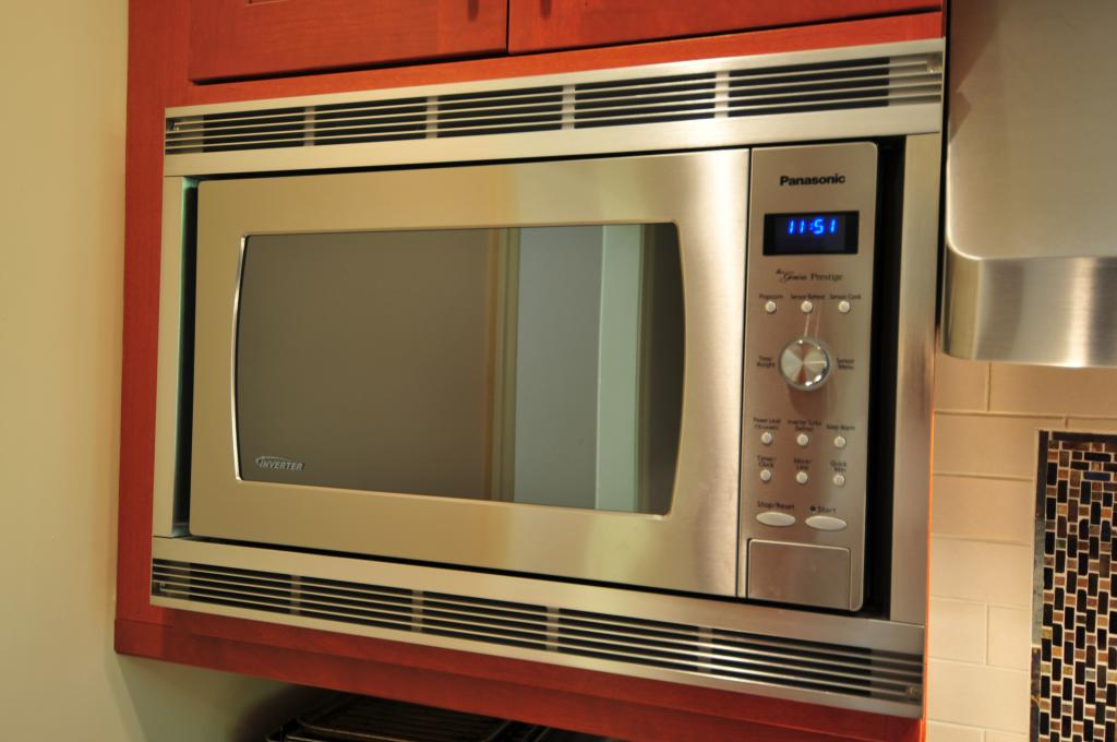Tips on Buying Microwave Oven and Features, Uses, and Care