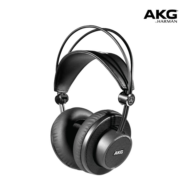 AKG K175 On Ear, Closed-Back Foldable Headphones with detachable cable