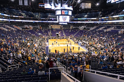 Golden State Warriors versus the Phoenix Suns at Talking Stick Arena