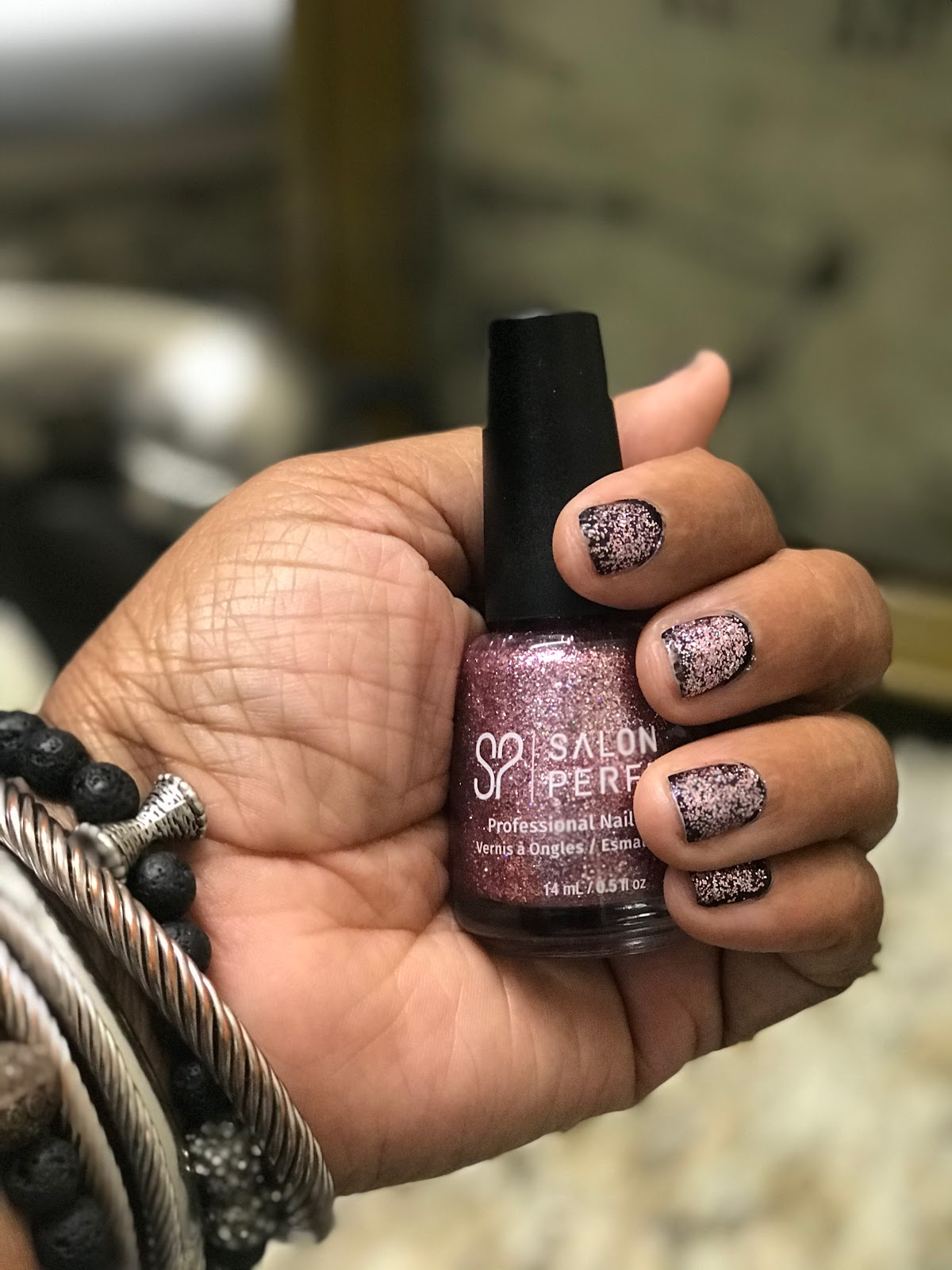 Image: Tangie sharing her bits on how she polished her nails. Weekend Bits And Favorites 26:The Recapping Post!