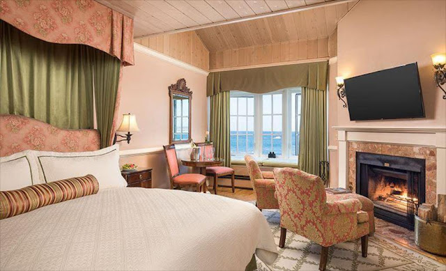 Escape on a seaside getaway to Spindrift Inn Monterey on historic Cannery Row, steps from McAbee Beach, in luxurious boutique accommodations overlooking Monterey.